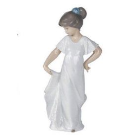 Nao 02001110 How Pretty Figure Ornament by LLADRO
